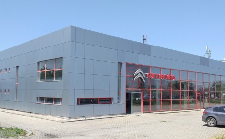 Showroom cu service de vanzare proprietati industriale Arad vedere de aproape