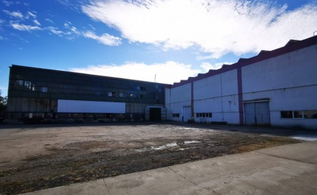 Hala industriala cu pod rulant inchiriere proprietati industriale Baia Mare est vedere laterala stanga