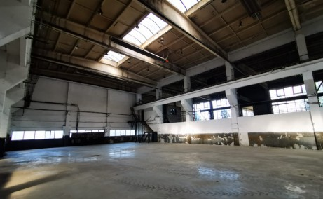 Hala industriala cu pod rulant inchiriere proprietati industriale Baia Mare est usa acces interior