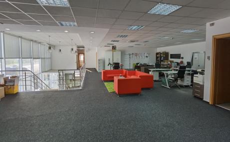 Spatiu de inchiriat Bucuresti, zona Otopeni, showroom, imagine etaj
